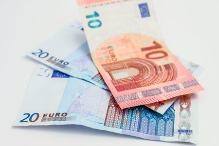 تحليل فني: البائعون يسيطرون على زوج اليورو دولار